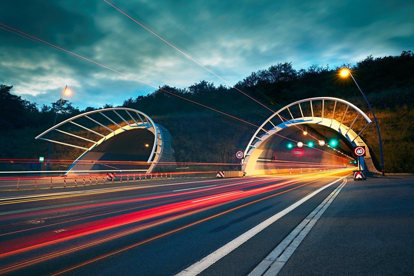 highway-tunnel-at-night-P4AR8HD
